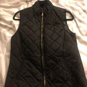 Old Navy Women's lightweight quilted vest